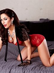 Kirsten Price flaunts her gorgeous body on the bed